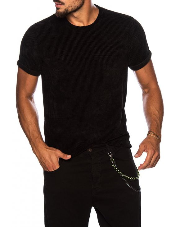 THEO T-SHIRT IN BLACK