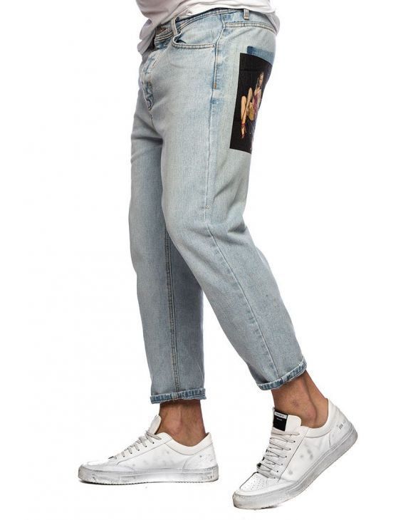 KEVIN PRINTED JEANS IN LIGHT BLUE